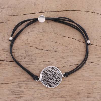 Sterling silver pendant bracelet, 'Starry Seeds in Black' - Sterling Silver Circular Bracelet in Black from India