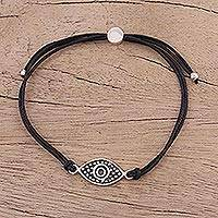 Sterling silver pendant bracelet, 'Alluring Eye in Black' - Sterling Silver Eye Pendant Bracelet in Black from India