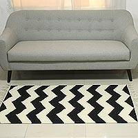 Wool dhurrie rug, 'Entrancing Zigzags' (3x5) - 3x5 Handwoven Zigzag Wool Dhurrie Rug from India