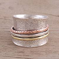 Sterling silver meditation ring, 'Stylish Metal' - Sterling Silver Meditation Ring with Copper and Brass