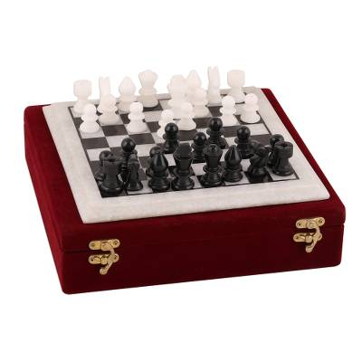 Handcrafted Black and White Marble Chess Set from India