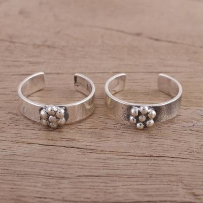 Sterling silver toe rings, 'Floral Nubs' - Floral Motif Sterling Silver Toe Rings from India