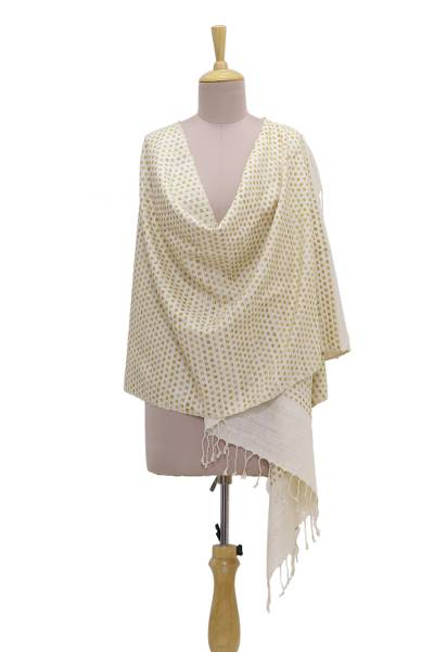 Silk shawl, 'Checkered Beauty in Honey' - Handmade Champagne and Honey Patterned Indian Eri Silk Shawl