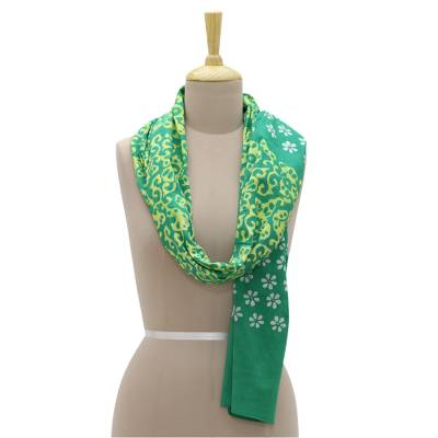 Cotton batik scarf, 'Floret' - Floral Hand Printed Batik Scarf in Green from India