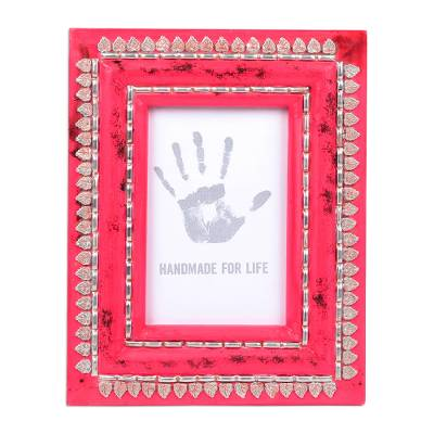 Leaf Motif Aluminum and Wood Photo Frame (4x6) from India