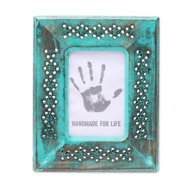 Green Hand Carved Flower Cutouts Wood Photo Frame (4x6)