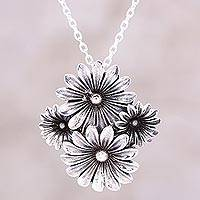 Sterling silver pendant necklace, 'Daisy Delight' - Daisy Motif Sterling Silver Pendant Necklace from India