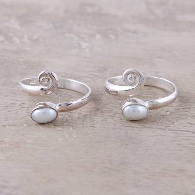 Cultured pearl toe rings, 'Glowing Flair' - Cultured Pearl Toe Rings Crafted in India