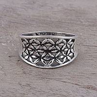 Sterling silver band ring, 'Floral Lattice' - Openwork Pattern Sterling Silver Band Ring from India