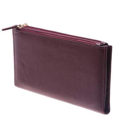 Handcrafted Leather Wallet in Maroon from India