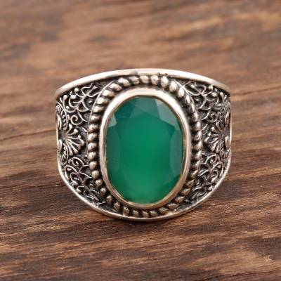Men's onyx ring, 'Elite Green' - 6-Carat Men's Green Onyx Ring from India
