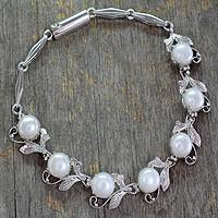 Pearl flower bracelet, 'Misty' - Sterling Silver and Pearl Bracelet
