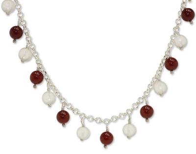 Agate and quartz pendant necklace