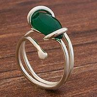 Chrysoprase single-stone ring, 'Stellar Guidance' - Chrysoprase and 925 Silver Single Stone Ring from Brazil