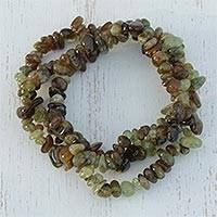 Garnet strand stretch bracelets Garnet Glory in Green (set of 3) (Brazil)