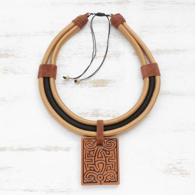 Ceramic pendant necklace, Elegant Maze