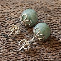 Light green jade stud earrings,
