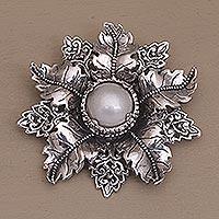 Cultured pearl brooch pin,
