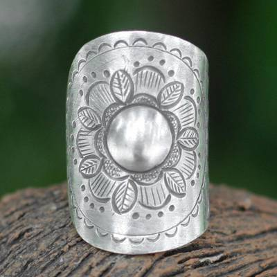 Sterling silver flower ring, 'Majestic Sunflower' - Sterling silver flower ring