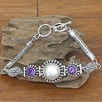 Pearl and amethyst pendant bracelet, 'Moonlight' - Pearl and amethyst pendant bracelet