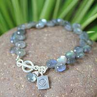 Labradorite beaded bracelet, 'Hill Tribe Intuition' (Thailand)