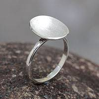 Sterling silver cocktail ring, 'Crater' - Sterling Silver Cocktail Ring Artisan Crafted Peru Jewelry