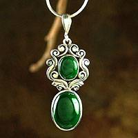 Malachite necklace, 'Queen of the Forest' (India)