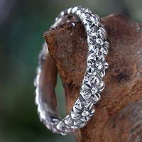 Sterling silver flower ring, 'Silver Garland' - Floral Sterling Silver Band Ring
