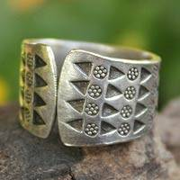 Sterling silver wrap ring, 'Mountain Wildflowers' - Floral Sterling Silver Wrap Ring from Thailand