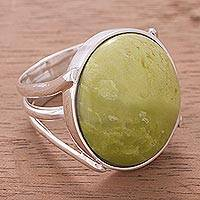 Serpentine cocktail ring, 'Lemon-Lime Drop' - Handcrafted Serpentine and Silver Cocktail RIng