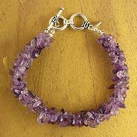 Amethyst beaded bracelet, 'Graceful Wisteria' - Amethyst Chip Beaded Bracelet