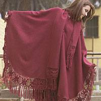 Alpaca wool poncho, 'Highland Beauty' (Peru)