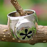 Sterling silver flower ring, 'Footnote' - Sterling silver flower ring