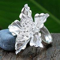 Silver cocktail ring, 'Oleander Exotic' - Silver cocktail ring