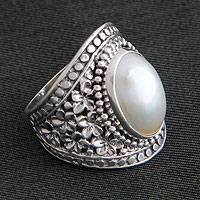 Cultured pearl flower ring, 'Holy Frangipani' - Handcrafted Pearl and Sterling Silver Cocktail Ring