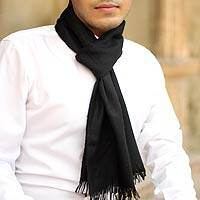 Men's pashmina wool scarf, 'Kashmir Black' - Men's pashmina wool scarf
