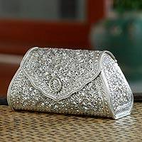 Sterling silver handbag, 'Kanok Elegance' - Thai Sterling Silver Patterned Clutch Handbag