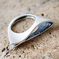 Sterling silver cocktail ring, 'Sea Dream' - Contemporary Minimalist Sterling Ring from Peru