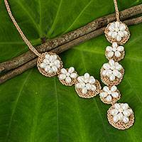 Cultured pearl flower necklace, 'Floral Garland in White' (Thailand)