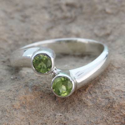 Peridot cocktail ring, 'Duality' - Sterling Silver Ring with Peridot