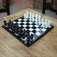 Onyx and marble chess set, 'Classic' - Onyx and Marble Chess Set