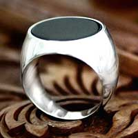 Men's onyx solitaire ring, 'Mystique' - Men's Sterling Silver and Onyx Ring