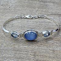 Blue topaz and chalcedony pendant bracelet,