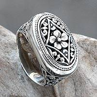 Sterling silver cocktail ring, 'Hibiscus Gate' - Ornate Sterling Silver Cocktail Ring with Floral Motif