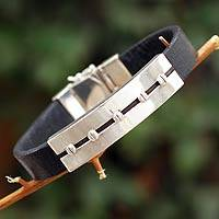 Men's leather bracelet, 'Brave Aymara' (Peru)