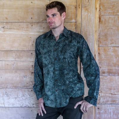 Men's cotton batik shirt, 'Ocean Shade' - Hand-stamped Batik Men's Collared Balinese 100% Cotton Shirt