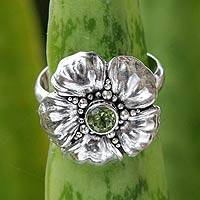 Peridot flower ring, 'Hibiscus' - Handcrafted Balinese Peridot Flower Ring