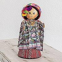 Pinewood and cotton display doll, 'Santiago Atitlan' - Pinewood and cotton display doll