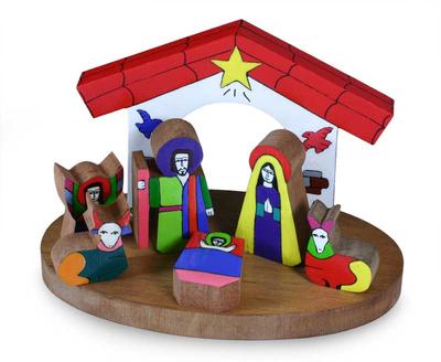 Pinewood nativity scene, 'Christmas in El Salvador' (set of 8) - Pinewood nativity scene (Set of 8)