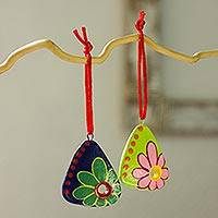 Ceramic ornaments, 'Celebration Daisies' (set of 6) - Ceramic ornaments (Set of 6)